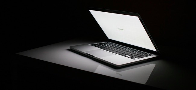 http://www.howtogeek.com/241937/how-to-adjust-your-macs-screen-brightness-manually-and-automatically/